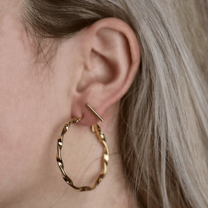 Be Twisted Earrings Gold