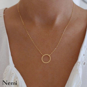 Around a Round Necklace Gold
