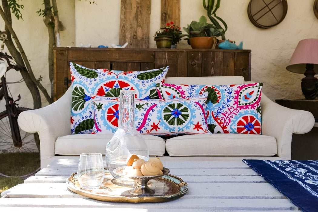 summer house decor cushions