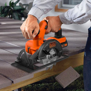 Black and Decker BDCCS20C 20-Volt MAX High Torque Cordless Circular Saw Kit