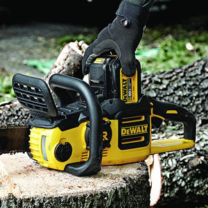 DeWALT DCCS690M1 40-Volt 4Ah 16-Inch Cordless Lithium-Ion XR Brushless Chainsaw