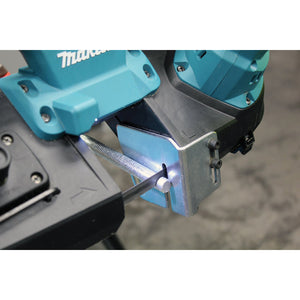 Makita XBP01Z 18-Volt 2-1/2-Inch Lithium-Ion Cordless Band Saw (Bare-Tool)