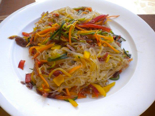 Noodles with vegetables & balsamic vinegar of Modena