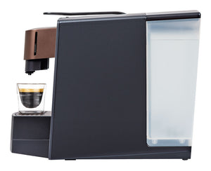Grande coffee maker with espresso cup