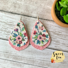 Load image into Gallery viewer, Pink Floral Glitter Layered Earrings