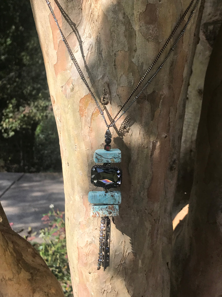 Turquoise natural stone with crystal necklace