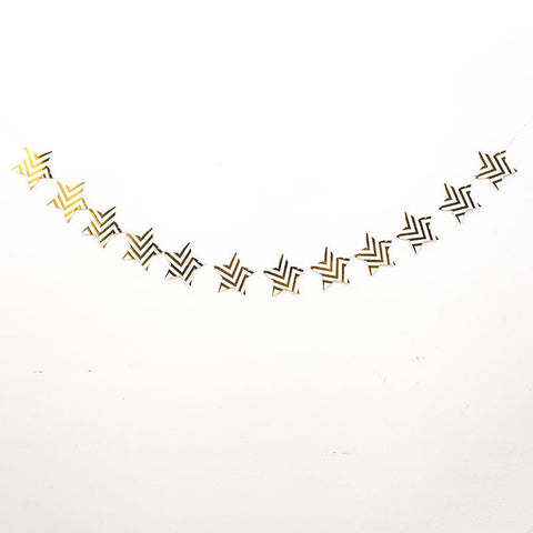 Line pattern star garland
