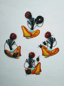 Multicolour Iron musicians wall hanging frame