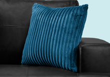 "Load image into Gallery viewer, I 9358 PILLOW - 18""X 18"" / BLUE ULTRA SOFT RIBBED STYLE / 1PC"