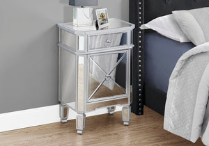 I 3731 ACCENT TABLE - 28