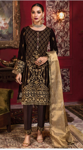 img_tehzeeb_by_mohagni_embroidered_velvet_wedding_collection_awwal_boutique