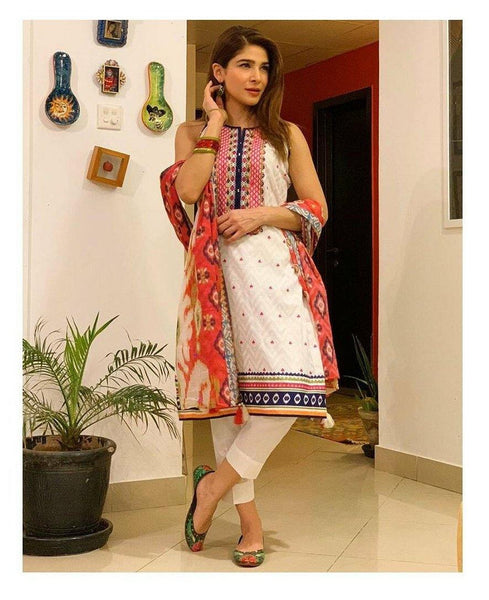 img_lsm_lawn_spotted_awwal_boutique