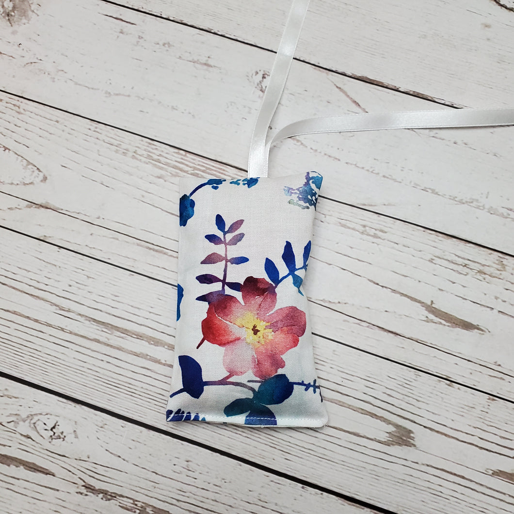 Lavender Pouch air freshener | White Watercolour Floral