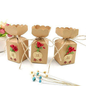 50 x Kraft favour boxes + jute string + flowers + stickers, wedding birthday Christmas baby shower