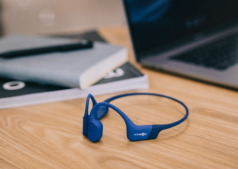 PROS & CONS OF DOWNLOADING AND STREAMING MUSIC WITH YOUR AFTERSHOKZ