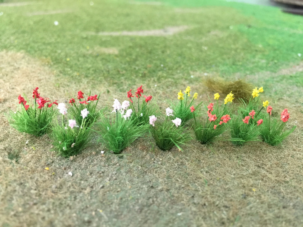 "MP Scenery Products 70076 - HO Scale - Daylilies - 3/4"" Height, 24/pk"