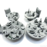 Tiny-Furniture #155 - Tavern Tables with Drinks - UNPAINTED