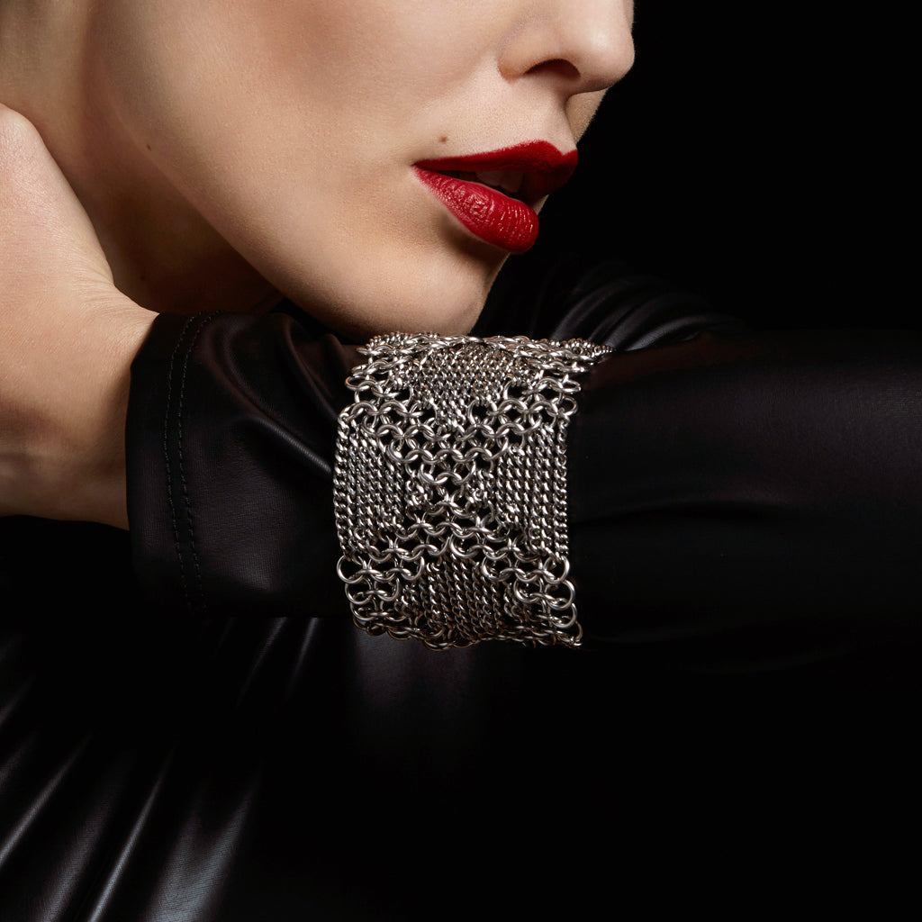 METAL Criss-Cross Cuff Bracelet