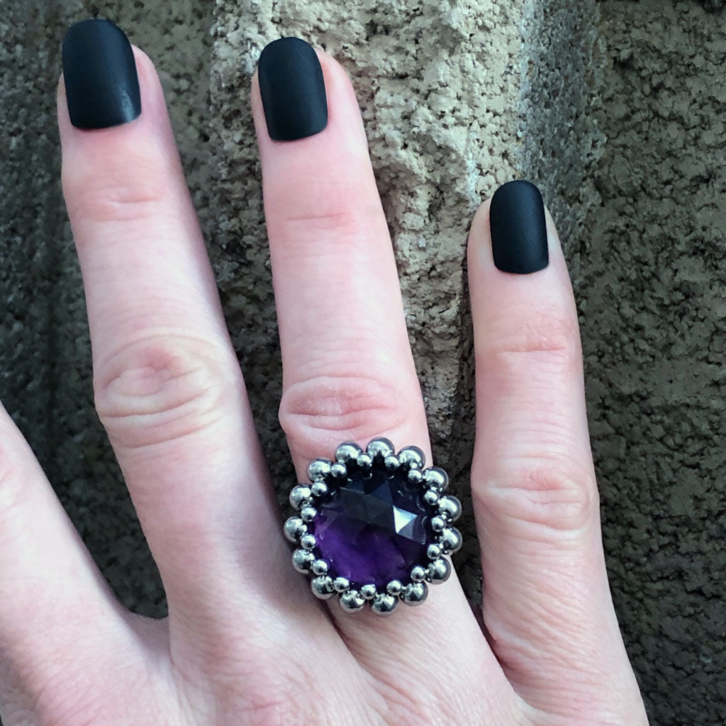 GEMSTONE Round Faceted Amethyst Ring