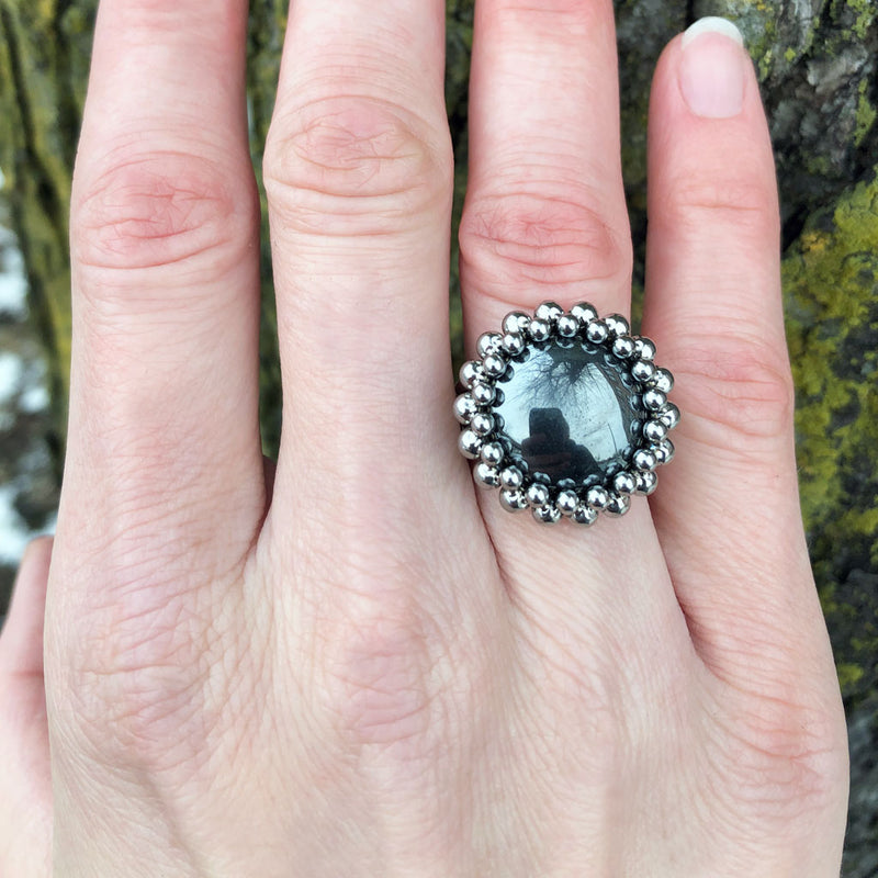 GEMSTONE Round Hematite Ring