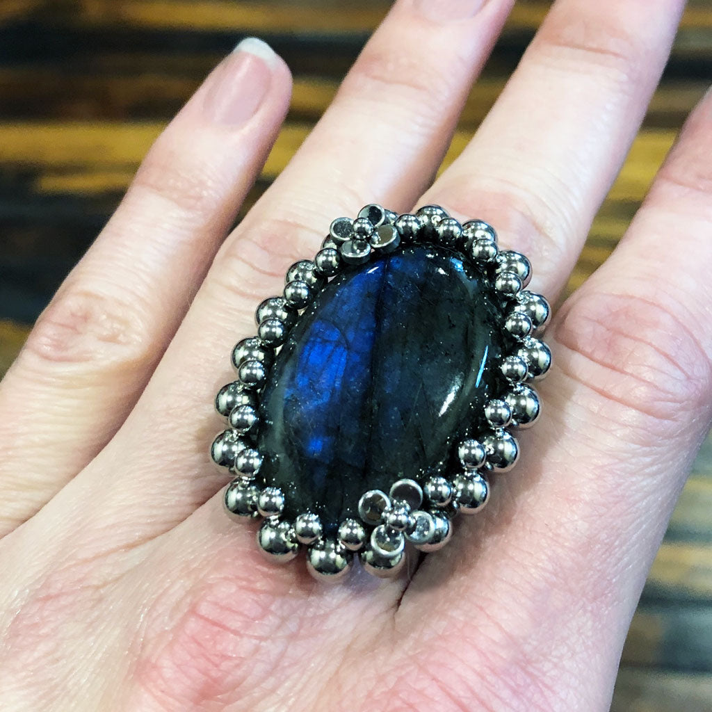GEMSTONE Oval Labradorite Ring with Flowers