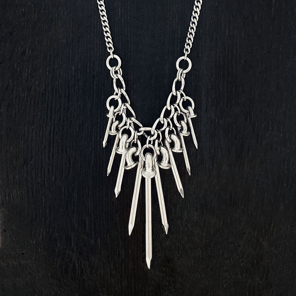 NAILMAILLE Tapered Spike Spray Necklace