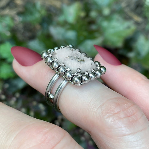 GEMSTONE Rectangular Pyrite in Quartz Ring: Size 5