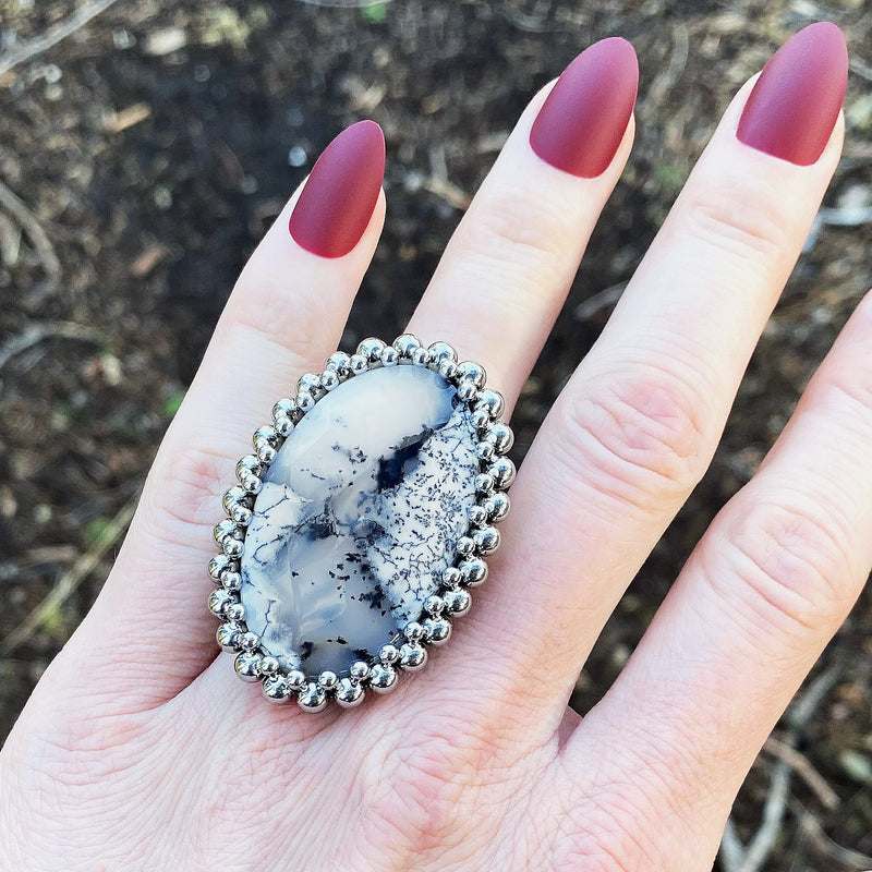 GEMSTONE White Dendritic Agate Oval Ring: Size 8