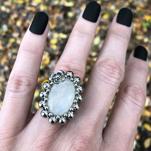 GEMSTONE Small Oval Moonstone Ring with Flower: Size 6.5
