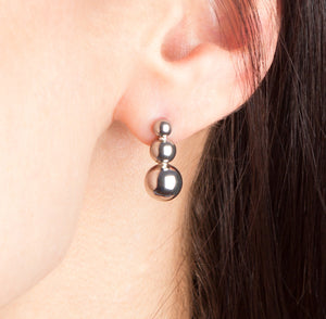 STRUCTURE Triple Sphere Earrings