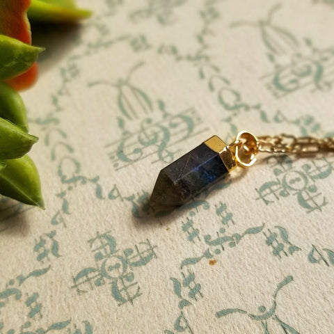 Flashy Labradorite Point and Crinkle Chain Necklace