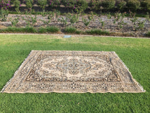 Load image into Gallery viewer, Beige and brown rug - 170cm x 220cm