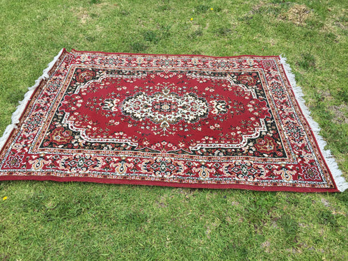 Red Rug B with fringe - 140cm x 200cm