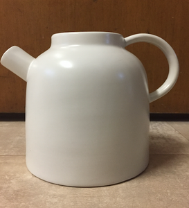 Tea pot white