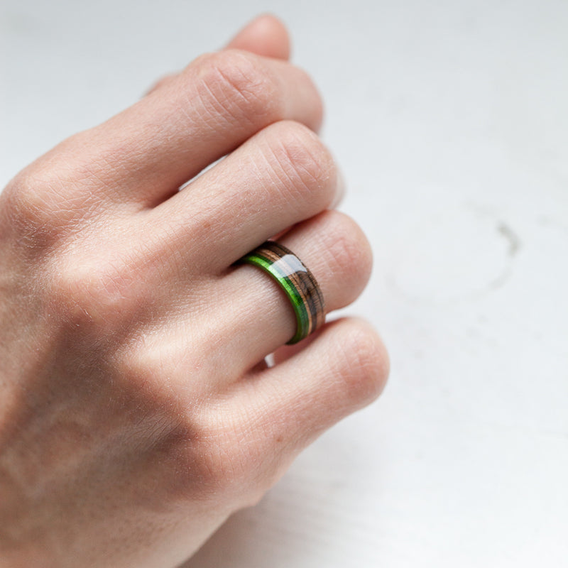 Skateboard ring - Green - Wooden - Black & silver | Boardthing - BoardThing