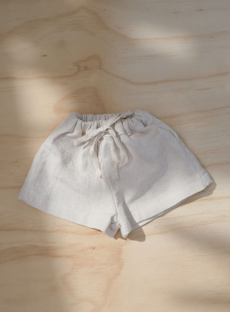 Staple short ~ Natural