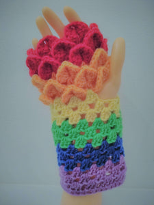Dragonscale gloves – Pride edition