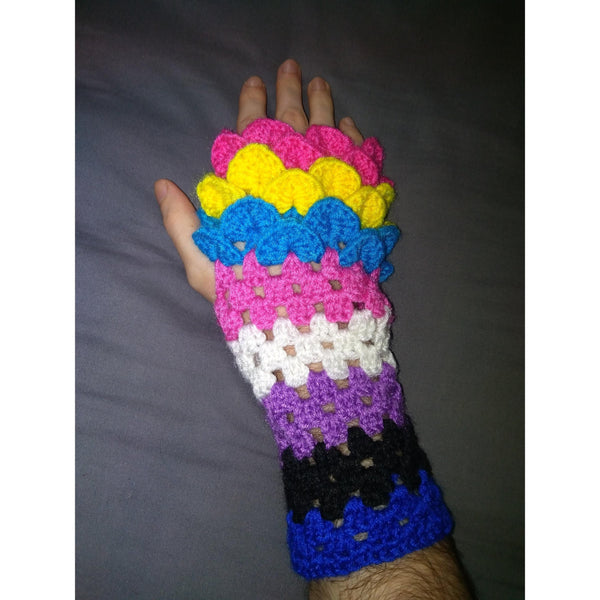 Dragonscale gloves – Pride Duo edition