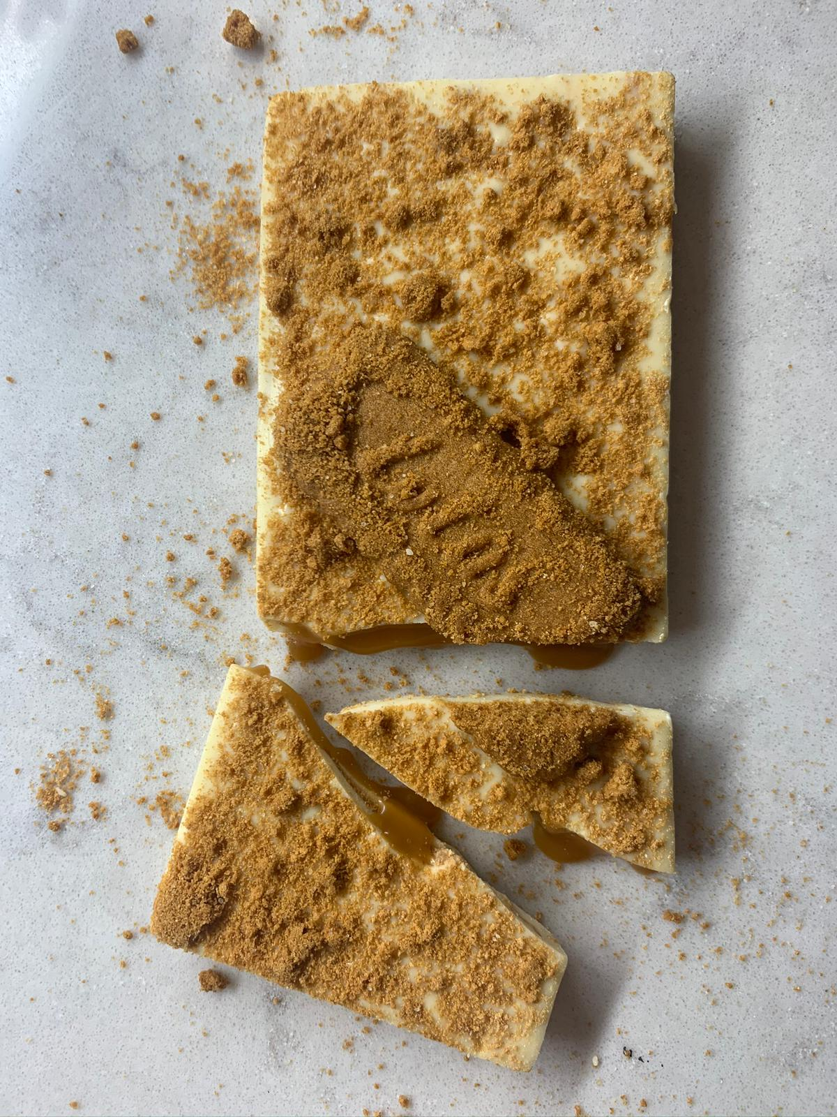 Speculoos & Salted Caramel in White Chocolate Bar #1