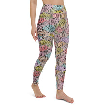 Load image into Gallery viewer, Confetti Snakeskin Print Yoga Leggings