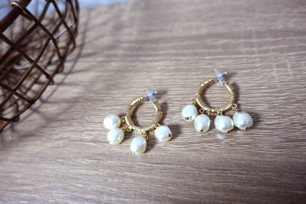 Vintage Swarovski Component Baroque Pearl Gold Tone Dangle Hoop Earrings 施華洛世奇元素珍珠金色耳圈耳環