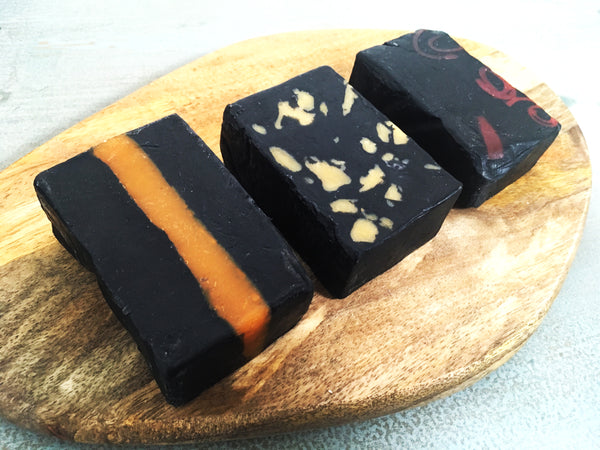 Activated Charcoal Fullers Earth Handcrafted Luxury Herbal Soap 活性炭富勒土手工美白皂