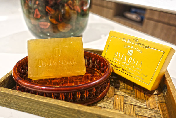 Sandalwood Turmeric Ubtan Handcrafted Luxury Herbal Soap 薑黃檀香精油手工芳療皂