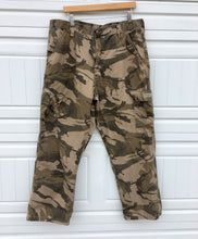 Load image into Gallery viewer, Camo Oversized Boyfriend Workpants - 38x30