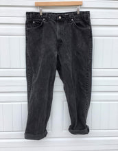 Load image into Gallery viewer, Black Levi's Oversized Boyfriend Jeans - 40x30