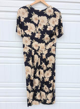 Load image into Gallery viewer, 90s Floral Dress - Size 10