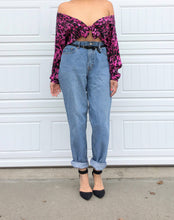 Load image into Gallery viewer, Levi's Oversized Boyfriend Jeans - 34x32