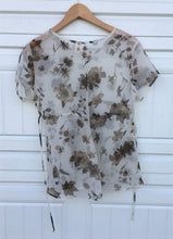 Load image into Gallery viewer, Sheer Floral 90s Blouse - Small