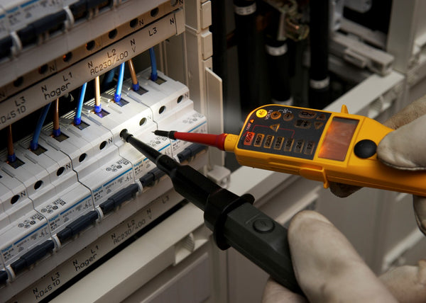 Fluke T150 Voltage & Continuity Tester - QLD Calibrations