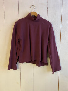 Ena Turtle Neck Cropped Wide Sleeve Sweater - Maroon